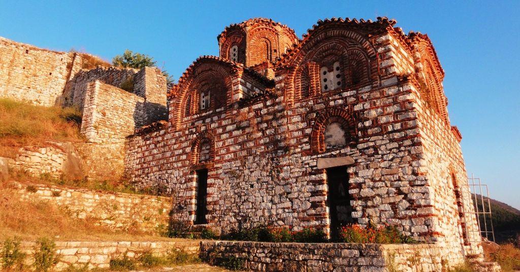 Shen Triada kerk Berat
