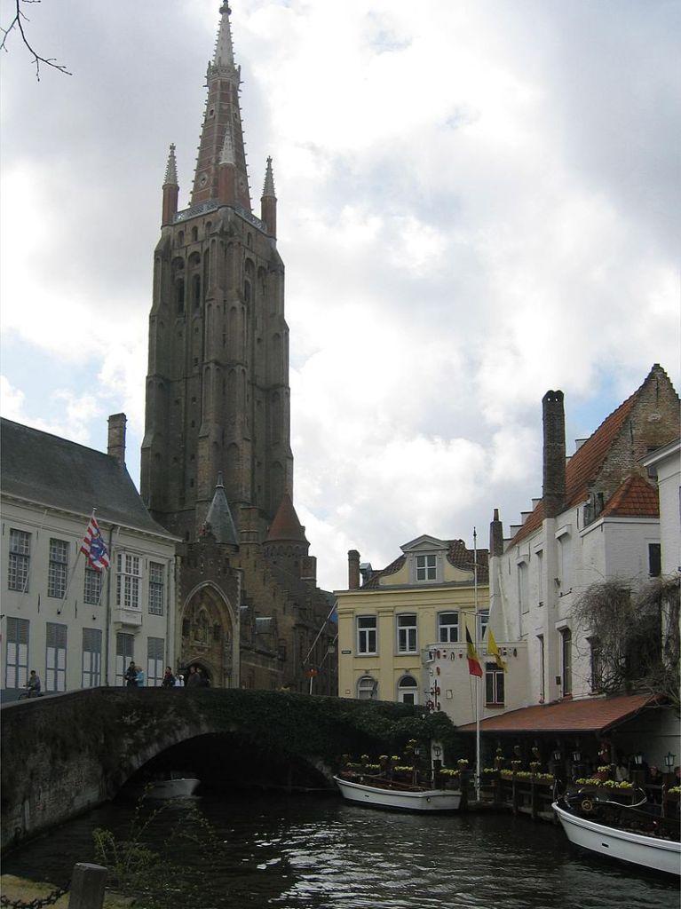 onze lieve vrouwe kerk Brugge